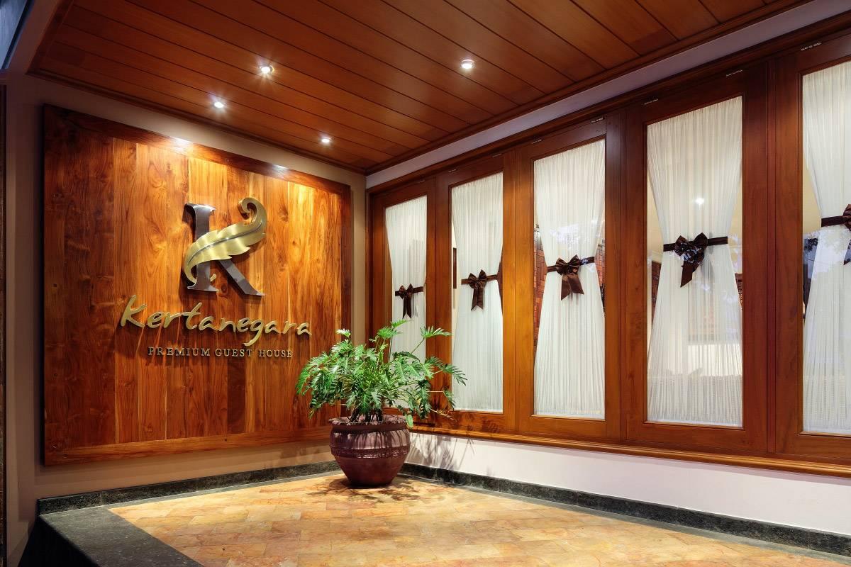 http://www.kertanegaraguesthouse.com/images/GH-Tour-3-desk-600x400@2x.jpg